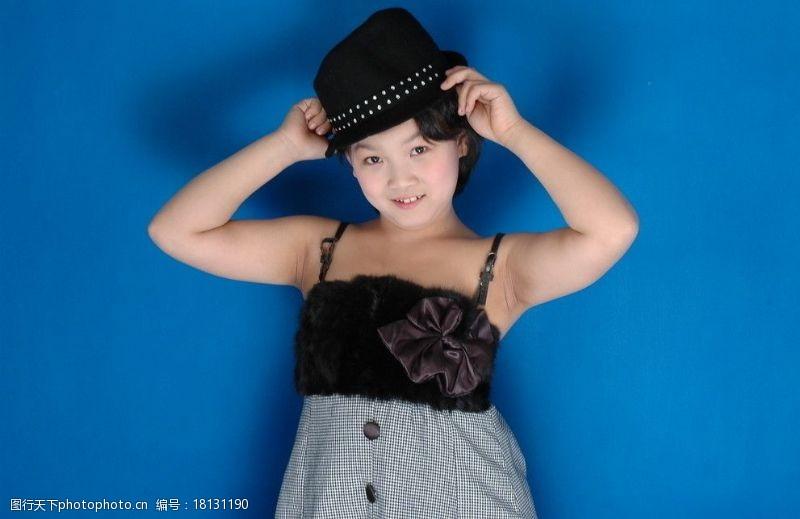 300dpi最漂亮美丽的小姑娘漂亮儿童漂亮儿童幼儿小孩人物图库摄影300DPIJPG?#35745;? title=